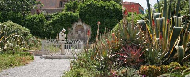 Interventi di giadinaggio all'Isola d'Elba